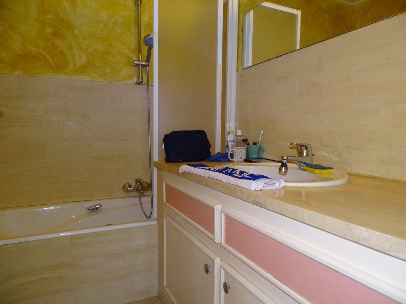Location appartement 1 pieces de 28 36 m2 06160 juan les pins 5001 - Cabinet bourgeois cannes ...