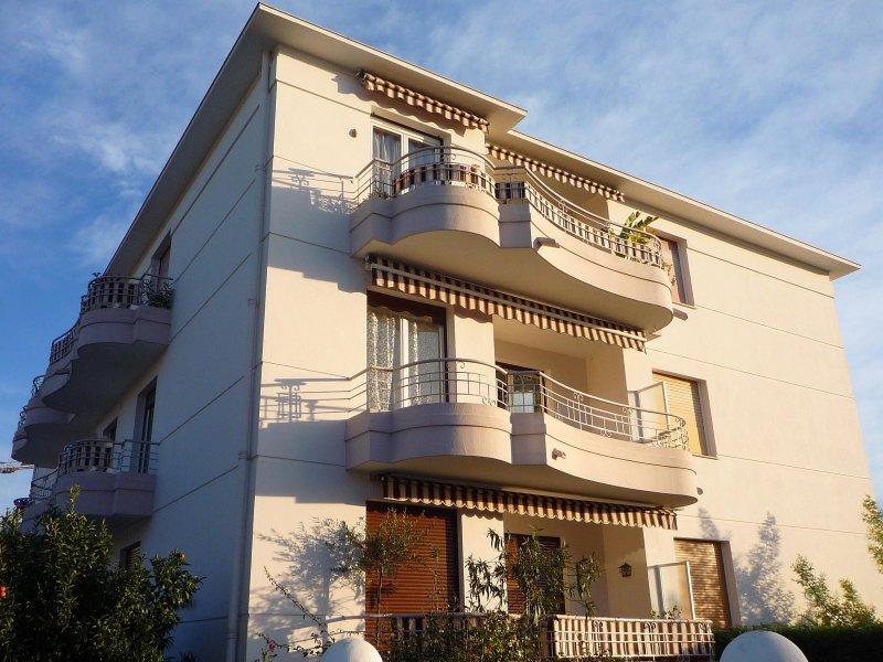 Vente appartement 3 pieces de 54 m2 06160 juan les pins 4607 proche centre et plages de - Cabinet bourgeois cannes ...