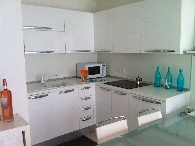 Vente appartement 2 pieces de 38 m2 06160 juan les pins 4243 - Cabinet bourgeois cannes ...