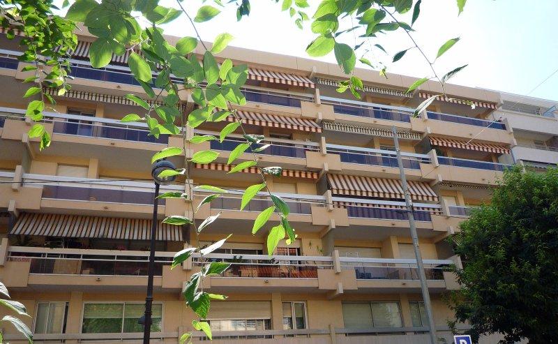 Vente appartement 1 pieces de 31 m2 06160 juan les pins 4466 - Cabinet bourgeois cannes ...