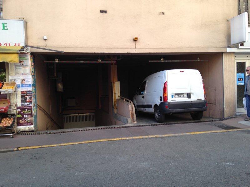 Vente garage de 30 m2 06400 cannes 4375 garage double long 30 m2 - Cabinet bourgeois cannes ...