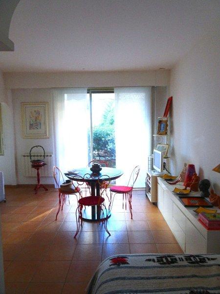 Vente studio 1 pieces de 30 m2 06400 cannes 2762 studio palm beach - Cabinet bourgeois cannes ...