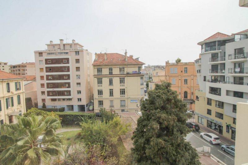 Vente appartement 3 pieces de 59 m2 06400 cannes 4151 - Cabinet bourgeois cannes ...