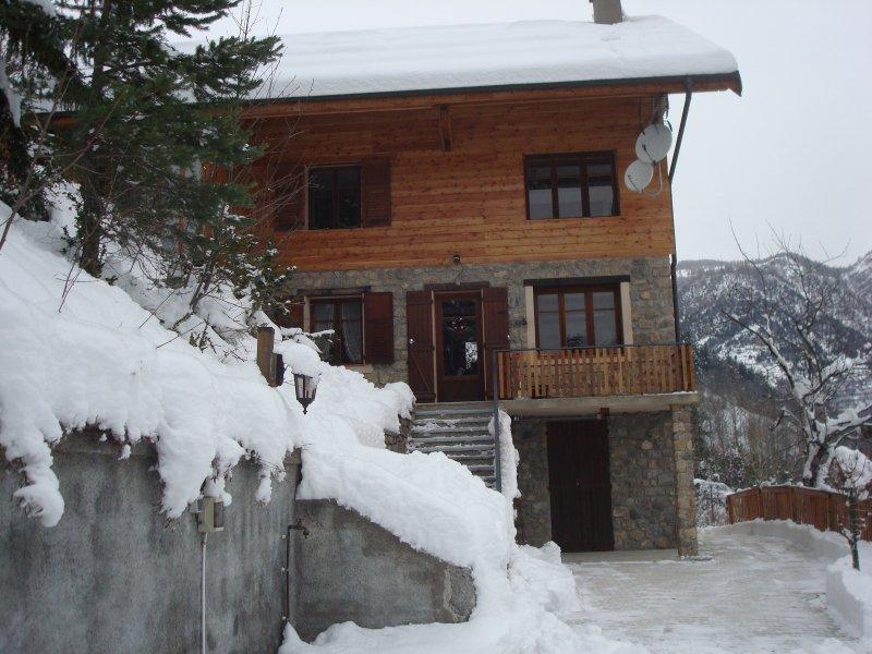 vente appartement 3 pieces de 53 19 m2 06660 st etienne de tinee 2941 trois pieces a st. Black Bedroom Furniture Sets. Home Design Ideas