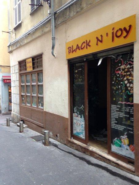 Location commerce de 58 65 m2 06200 nice 3978 vieux nice - Cabinet bourgeois cannes ...